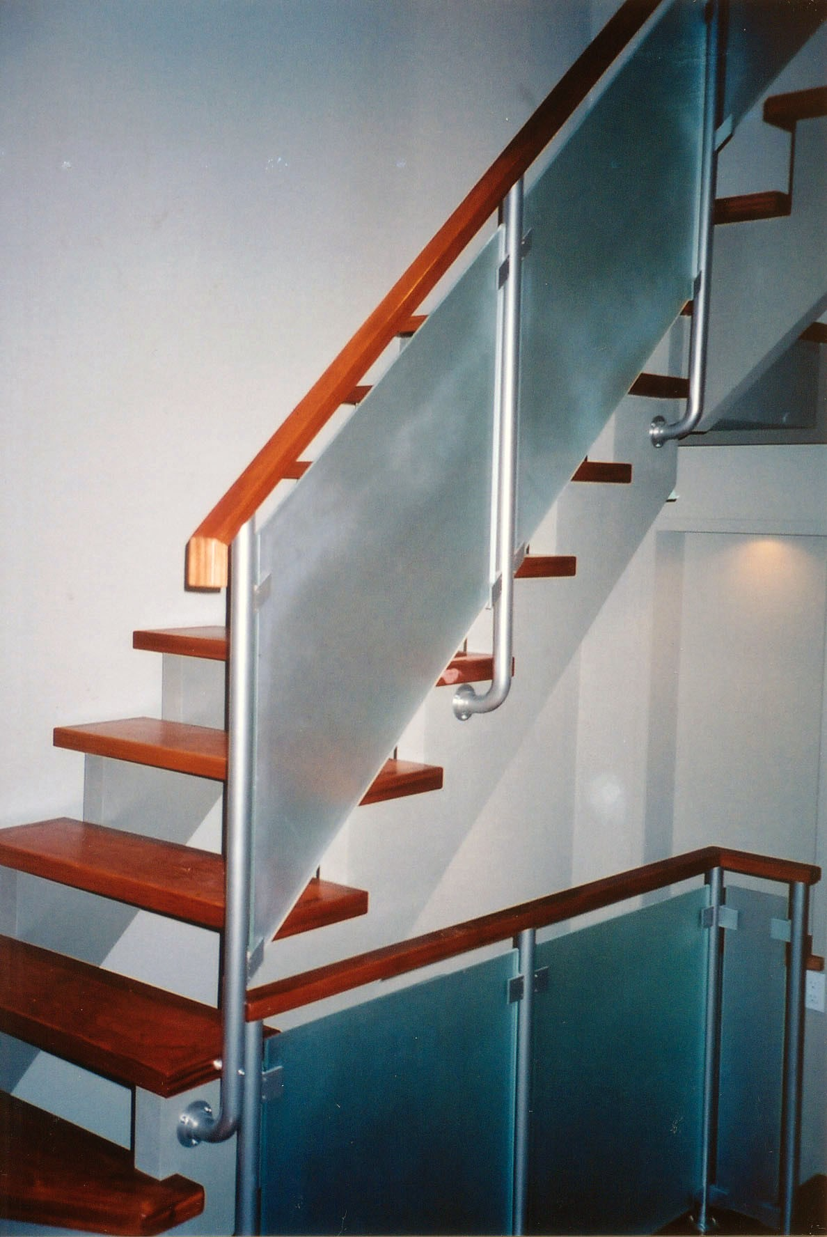 glass_panels_stairs_Large.jpg